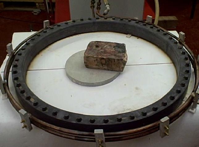 Ambrell感应加热器的应用-钎焊49:滑环上焊接铜柱(修复大型电机应用)